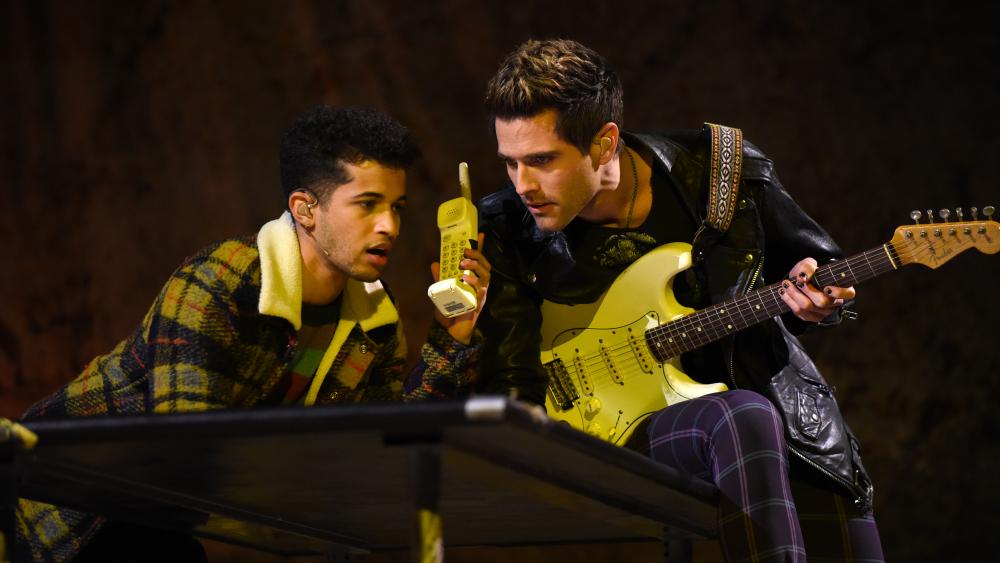 Jordan Fisher as Mark (left) and Brennin Hunt as Roger (right)