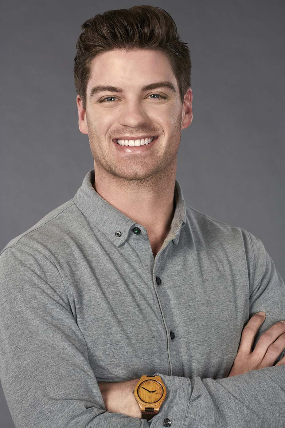 Garrett, 27 - A golf pro from Birmingham, ALGarrett may be a good-looking pro golfer, but he's really just a humble country boy enjoying life in Alabama. When he's not practicing his putting on the green, he enjoys going to church, running and drinking beers with his friends. Garrett's sister-in-law signed him up for The Bachelorette because she sees so many similarities between him and Hannah. Only time will tell if this match is a hole-in-one or a total mulligan.He once snuck into Mississippi State's football stadium after hours and made out with his girlfriend on the 50-yard line. He says the most romantic city in the world is Savannah, Georgia.
