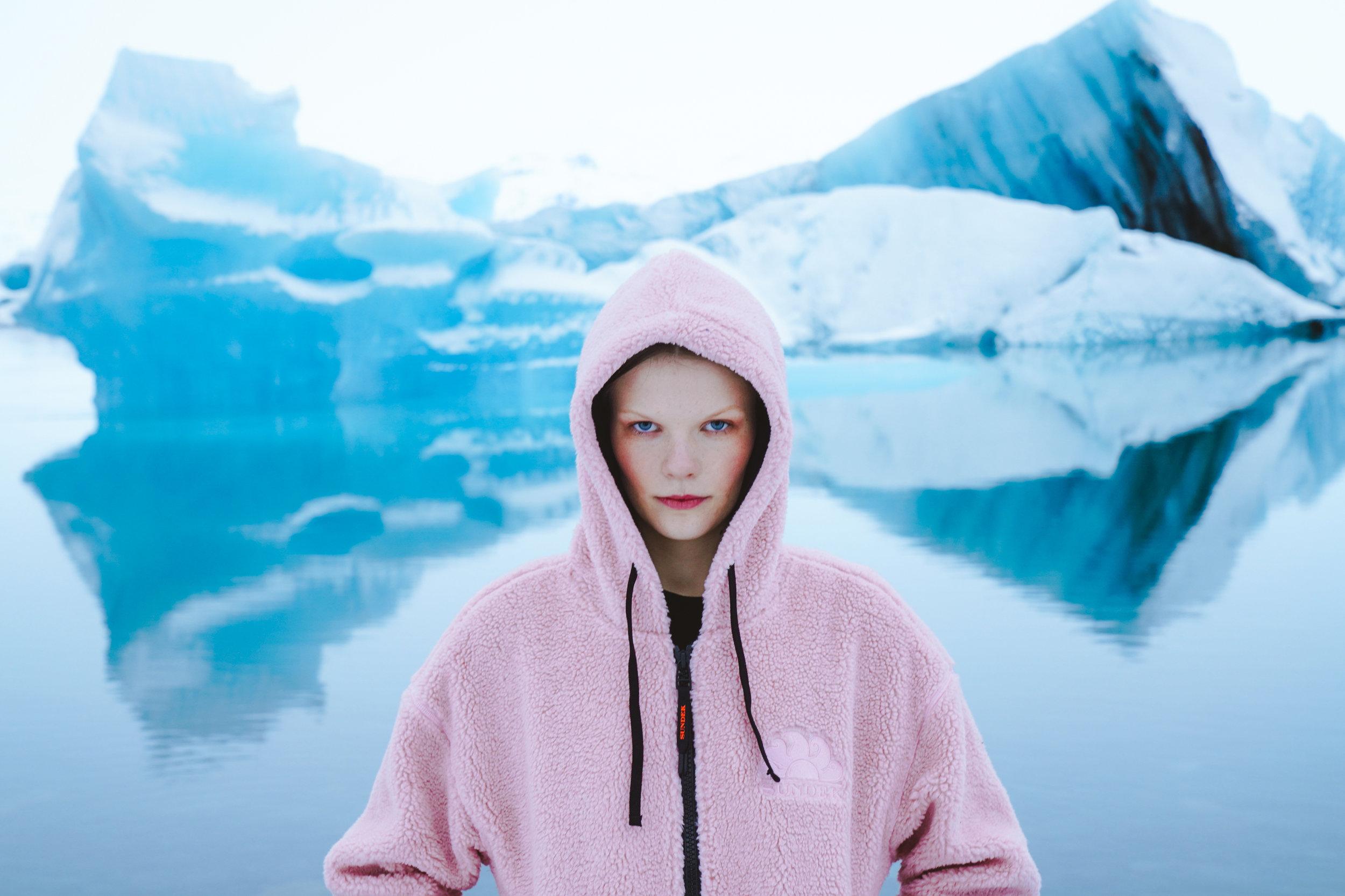 Sundek photoshoot Kristin wearing a pink jacket at Jökulsárlón