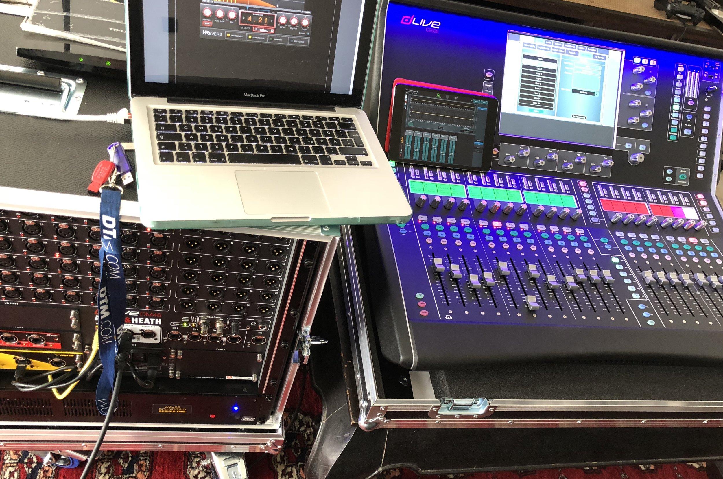 NEU: ALLEN & HEATH dLIVE C2500 + DM48 + Waves Soundgrid Server One
