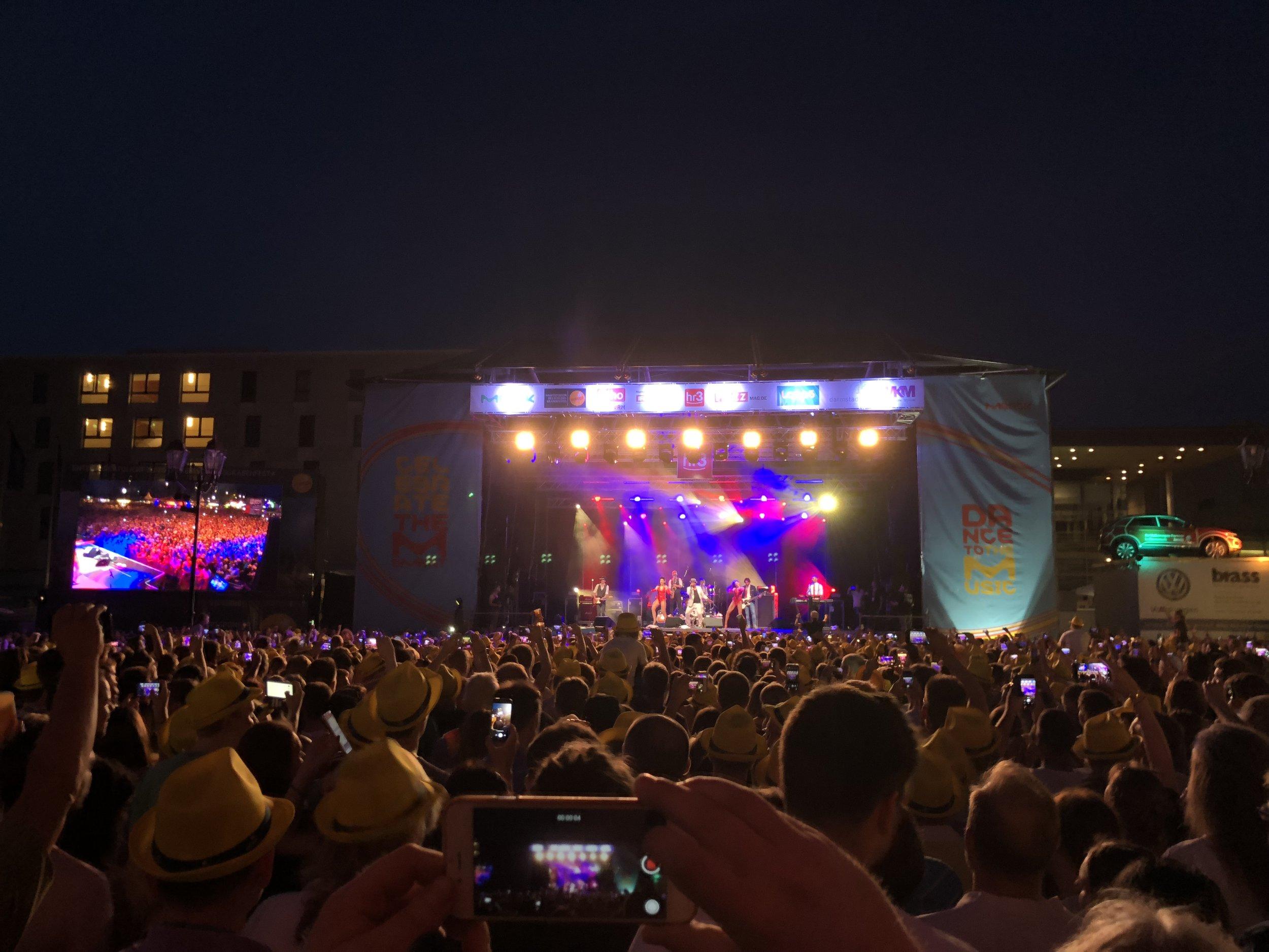 Merck Bühne Schlossgrabenfest 2018