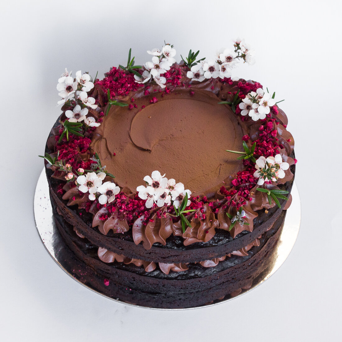 Fluffy choccie cake w/ chocolate caramel ganache (df, rsf option - ask) .