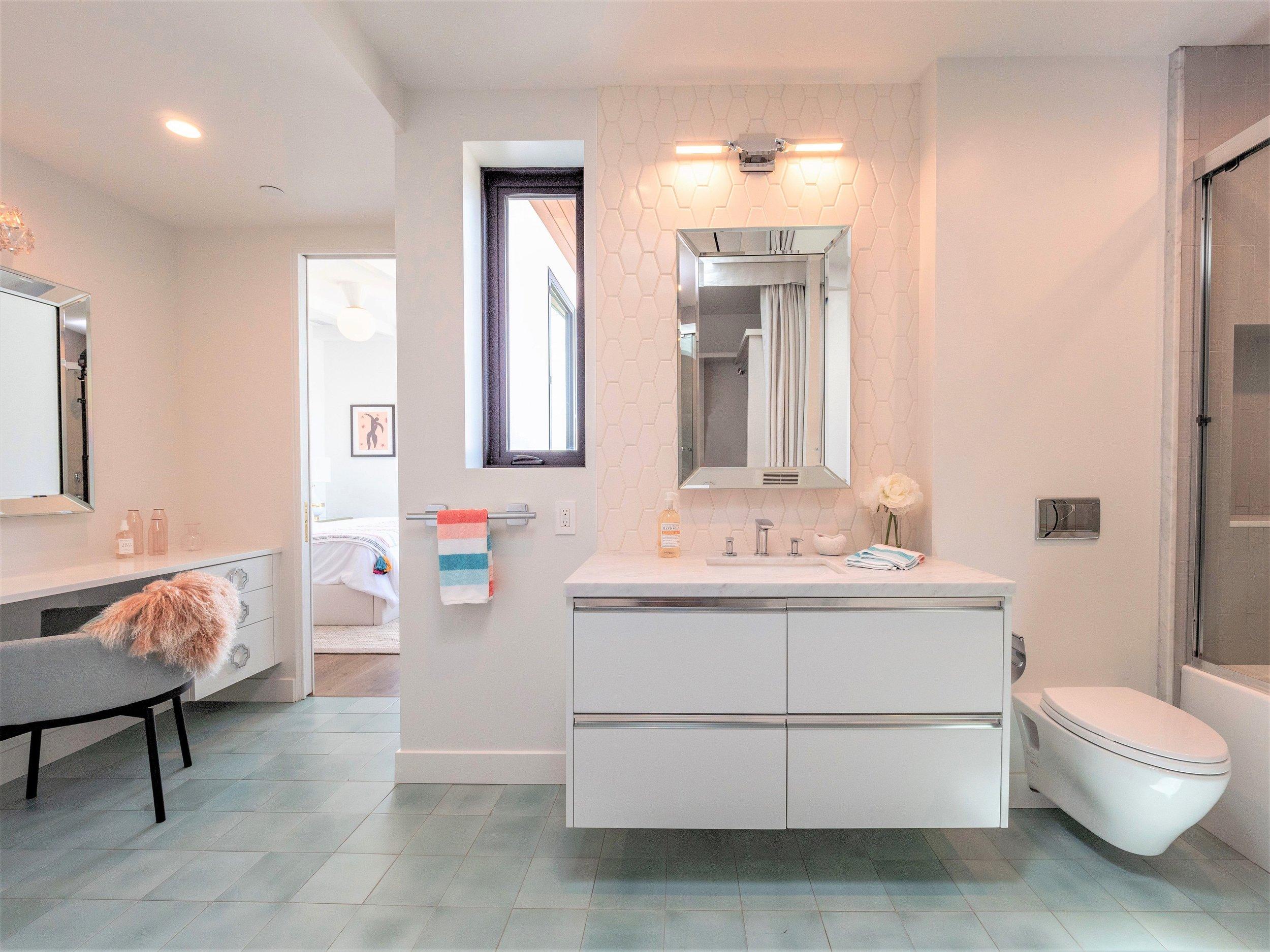 northside_bathroom2-1_0.jpg