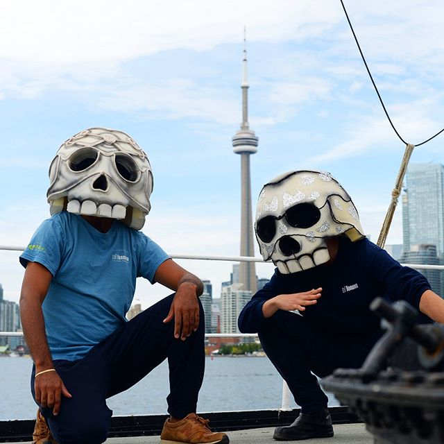 Toronto is home of the #DayoftheDeadTO! Its picturesque skyline is the backdrop for this genuine expression of the city's diverse communities.  #dayofthedead #diadelosmuertos #Toronto 📸: @ix.balam13