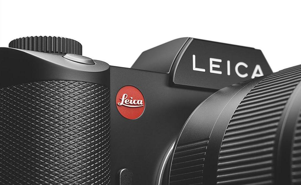 Leica  brand and social media communication