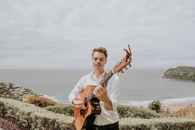 A couple of months ago I played Ash & Shaun's amazing morning wedding @jonahswhalebeach Pleasure working w/ 📷 @jamesdayweddings again! • • • • • • #jamesdayweddings #jonahs #Jonahswhalebeach #wedding #weddingsinger #acoustic #sydney
