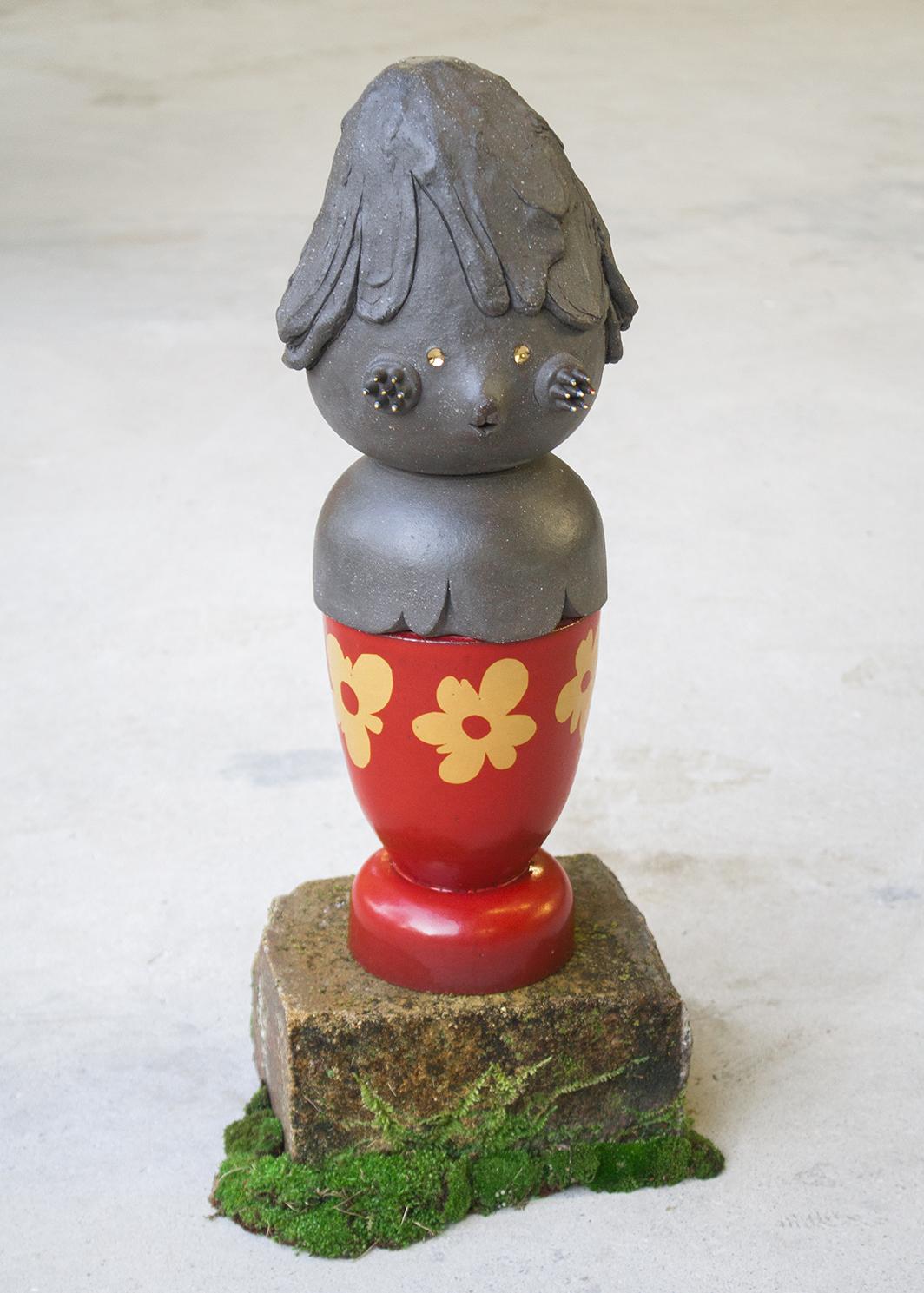 Red urn, 2017