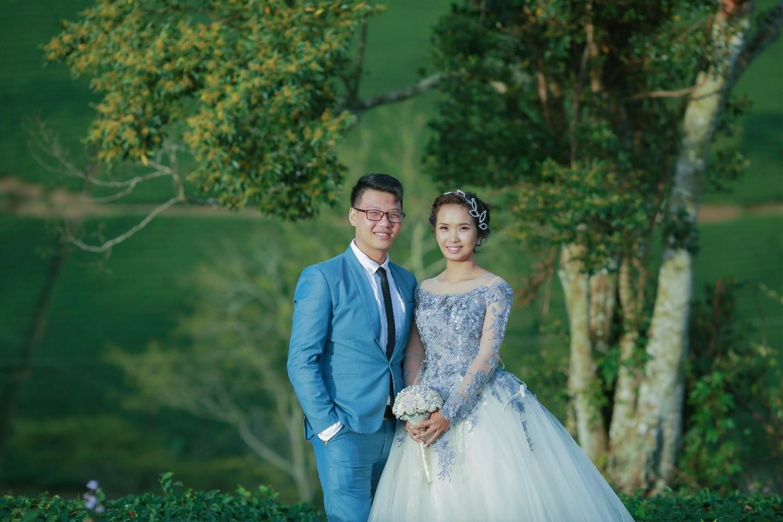 floral wedding dresses.jpg