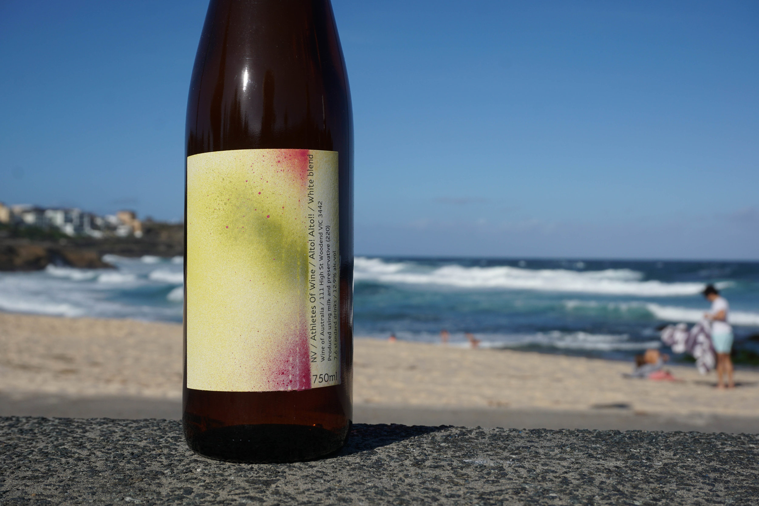 NV Athletes Of Wine 'Alto! Alto!!' White blend  Organic Practices  Varieties: 58% Chardonnay (Kyneton, VIC)/ 29.5% Riesling (Murrumbateman, ACT)/ 12.5% Sauvignon Blanc (Romsey, VIC)  Chardonnay was picked on March 3rd and whole bunch pressed then settled overnight and wild yeast fermented; Riesling (from 2015) was decanted from bottle; Sauvignon Blanc was picked March 12th and thrown in as whole bunches, plunged sometimes and left in there for 8 months; all stainless steel; no malo; bottled unfined and lightly filtered. 40ppm total SO2 added at bottling.  Total production: 128 dozen