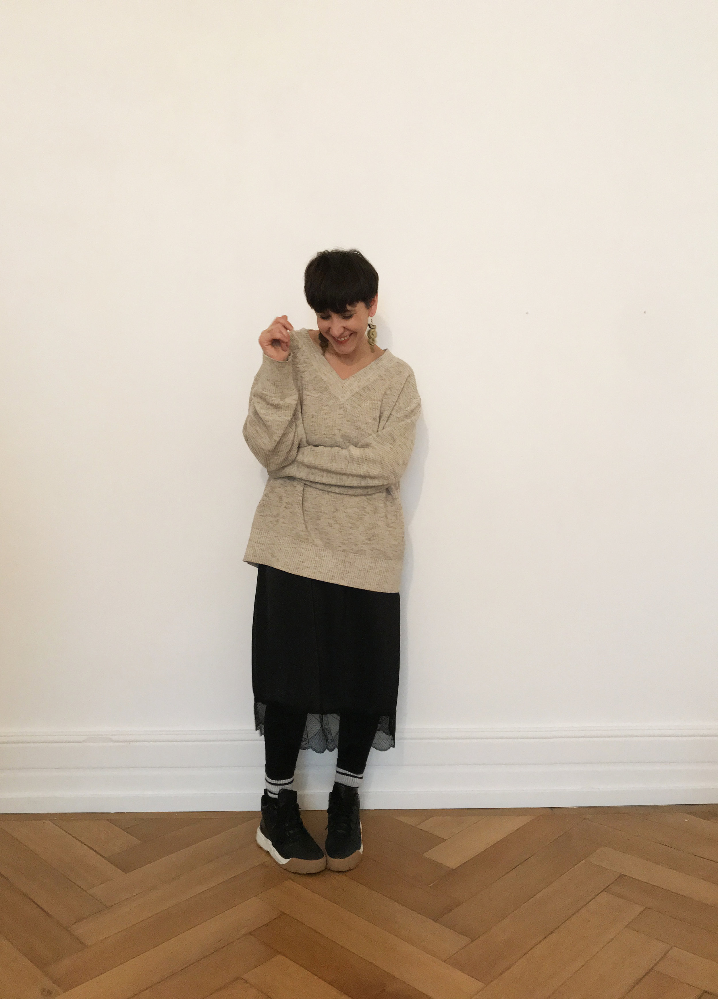 Casual - styled withCOS Jumper, Zara Trainers, Weekday socks, Rosita Bonita Earrings