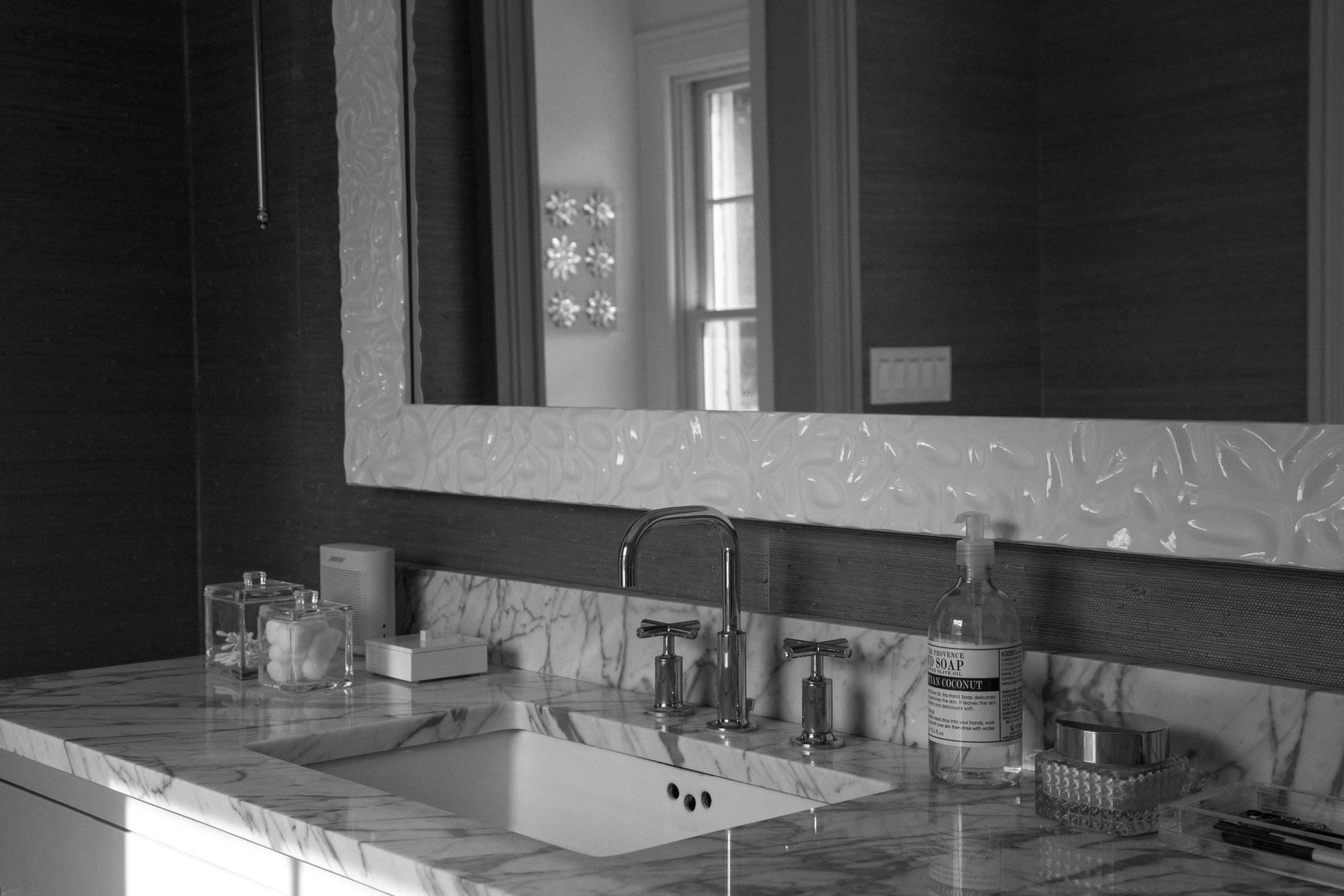 Bathroom bnw.jpg