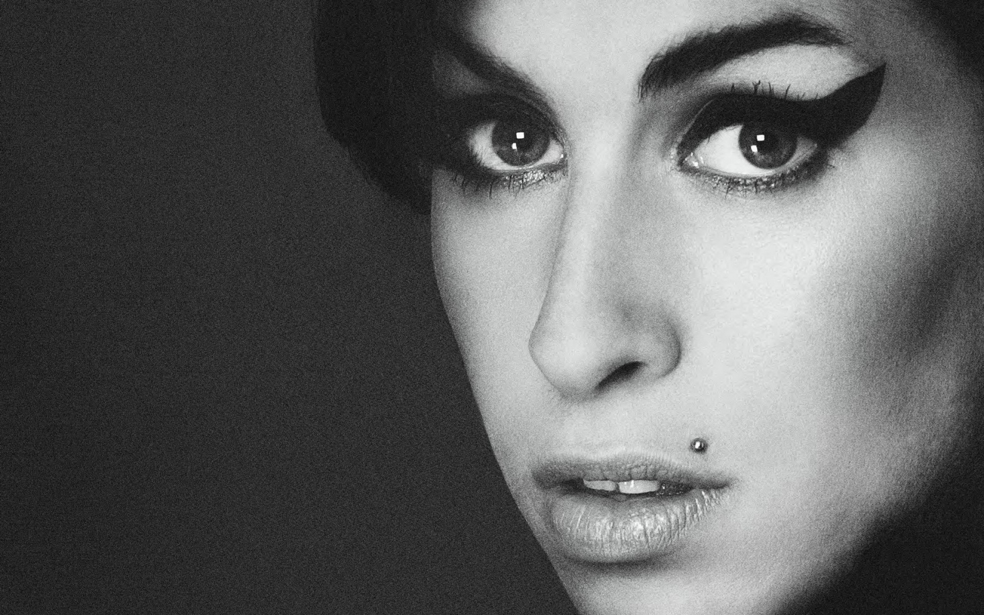 Amy-Winehouse-Wallpapers-1920x1200.jpg