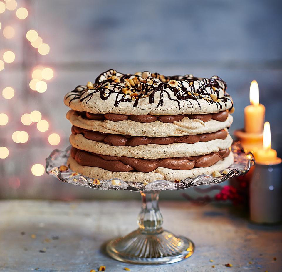 Hazelnut meringue with chocolate and sherry cream