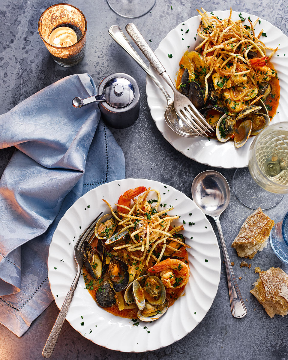 Mediterranean fish stew with straw potatoes
