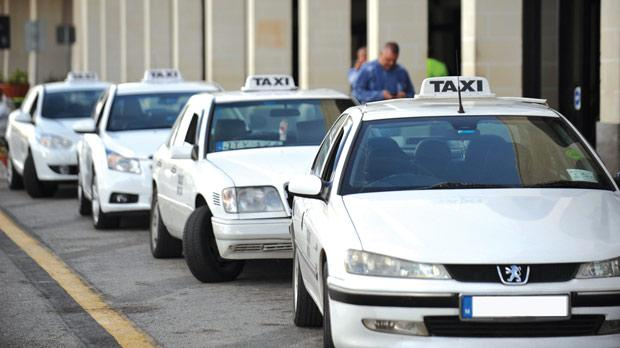 Taxi - Belmont Garage: Tel: +356 2155 6962Mario's Taxis: Tel: +356 2155 7242There are taxi ranks at new Victoria's bus station and at Pjazza Indipendenza