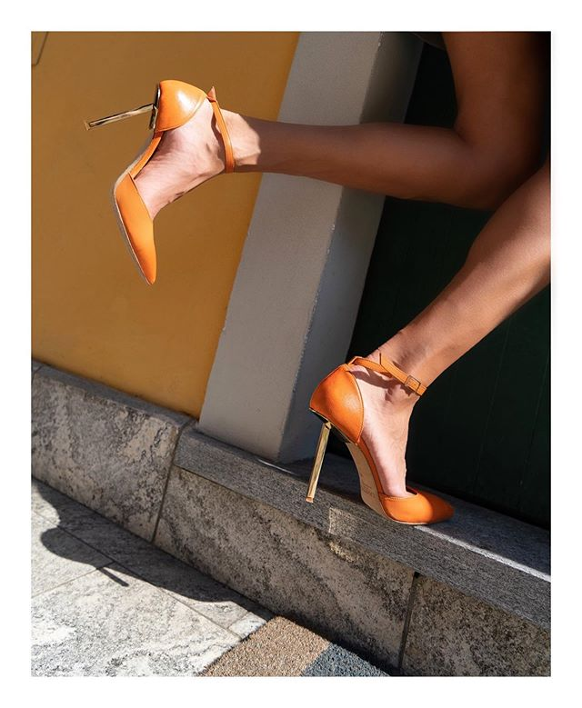 Mandarin shades and golden steel heels for this fall / Shop the last pairs of SALVATION ROD *currently on sale* in e-shop #steelheels #lampertimilano