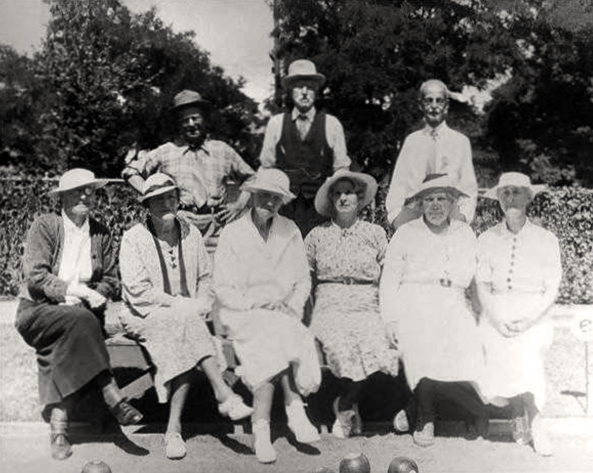 Club members circa 1935. Ginny Arnott is seated third from the left, with her husband John standing center rear. Those are likely Effie McAslen (died 1967) and Georgina Ostrander (died 1941) to the right of Ginny. Peter McKeand is standing to the right. PAHA photo.