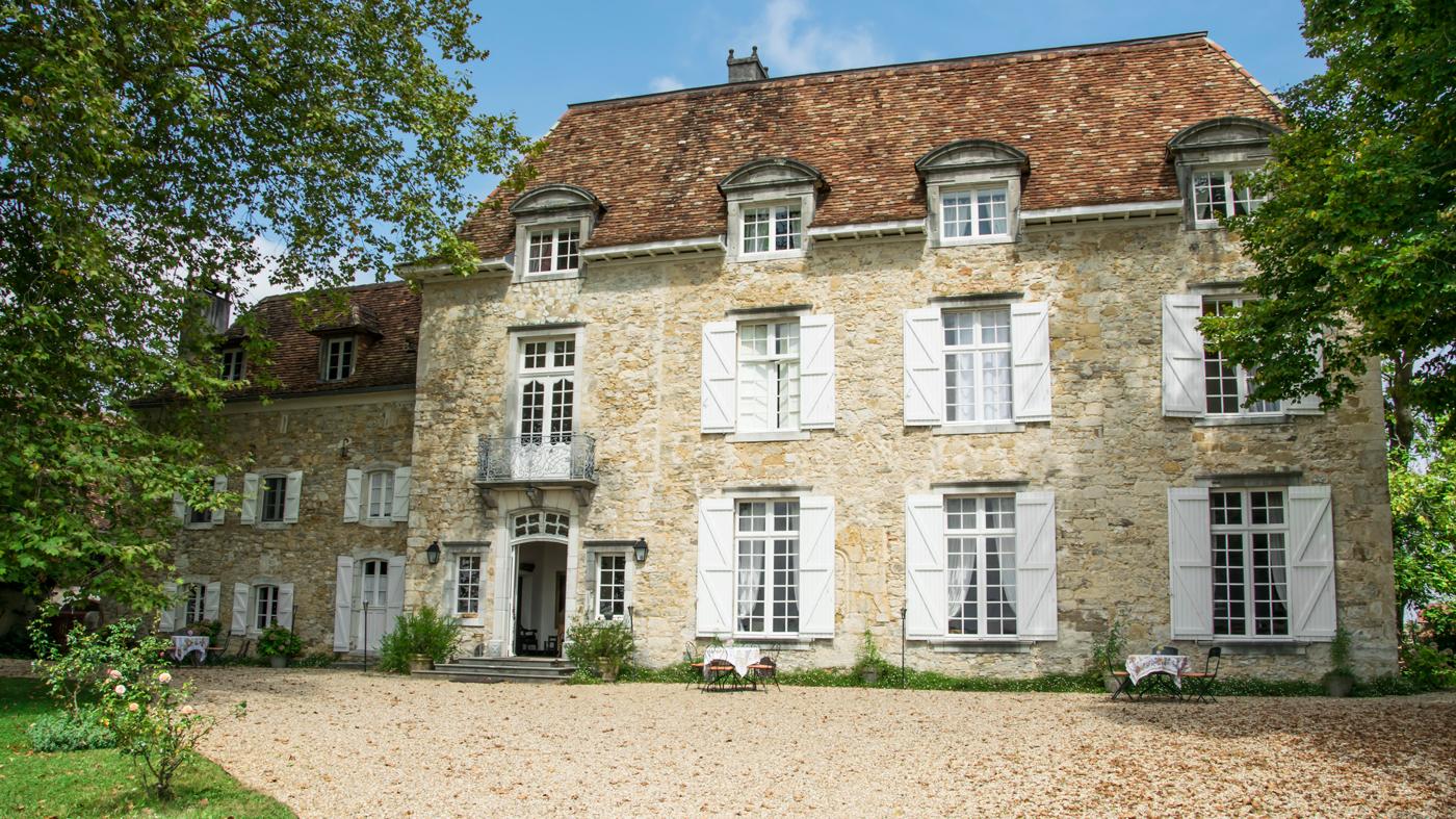 Hausfront_Château-d'Orion_Foto-Janna-Marie-Schwanemann-(1).jpg