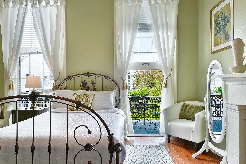 Elysian Fields - New Orleans Luxury Rental.jpg