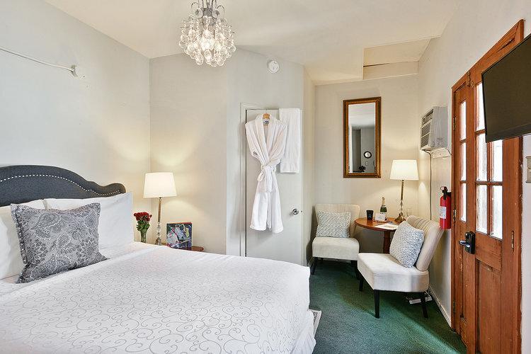 Chartres+-+New+Orleans+Luxury+Rental.jpg