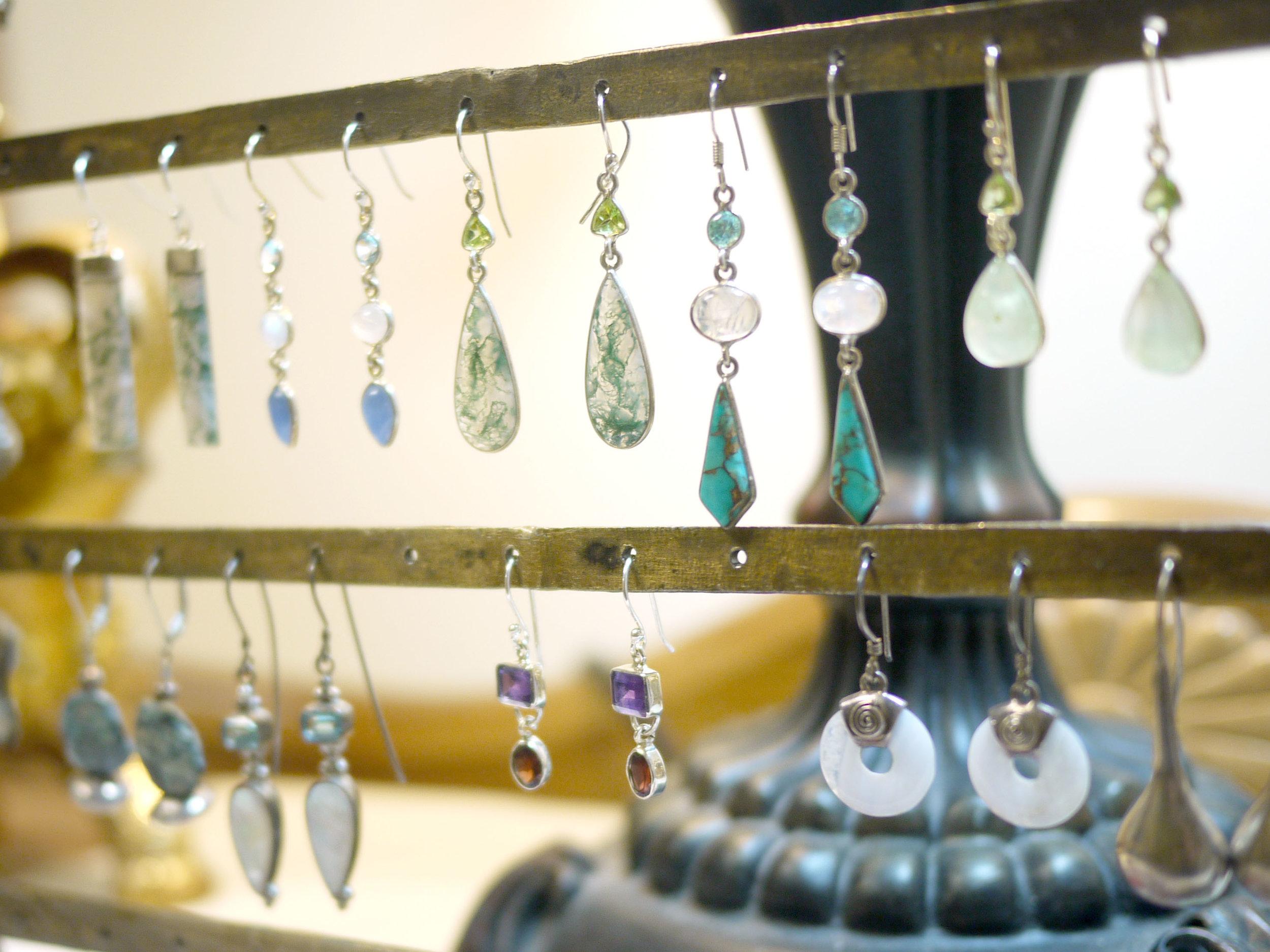 product-earrings01.jpg