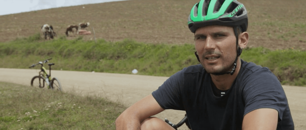 gus morton therabouts 3 cycling documentary filming in colombia