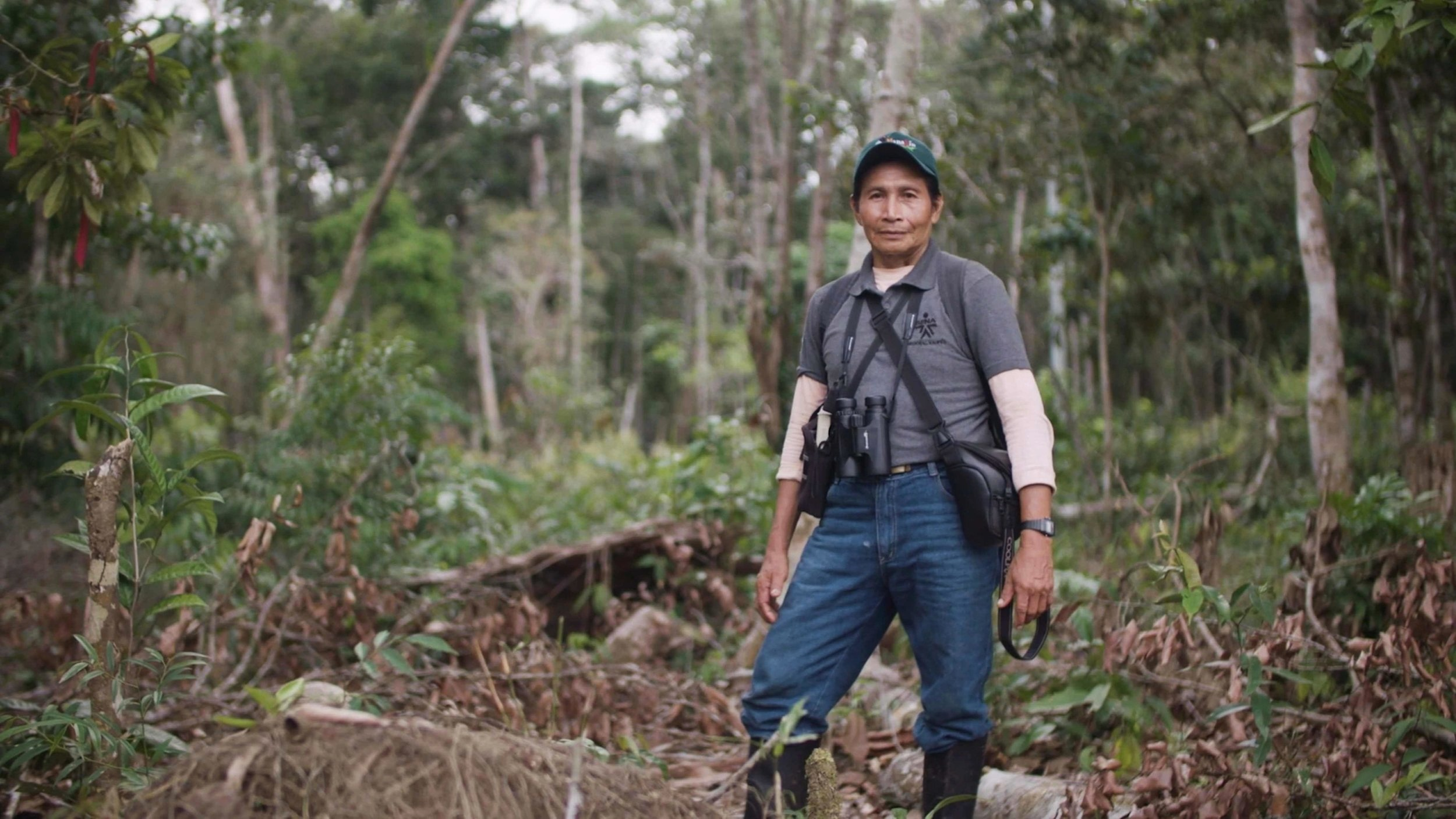 Miguel Portura is a Tucano native who lives in Mitú and works as a birding guide for both national and international clients. He was also one of the protagonists of 'The Birders: Mitú'