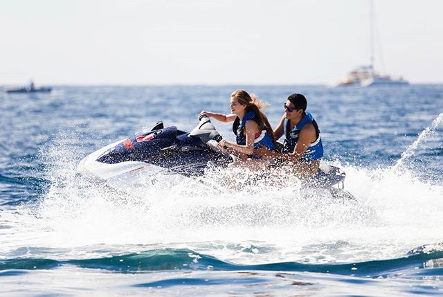 Drive solo or bring your partner in crime to the WaveRunner 1 hr tour, enjoy an unforgettable experience! #waverunners #jetskii #cabo #teambajas #watersport