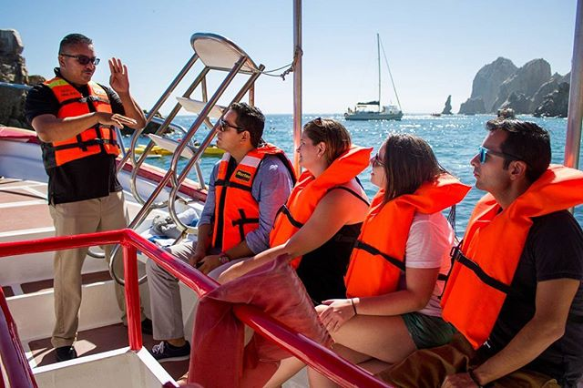 Amazing spring weather today! Take the #glassbottomboat tour to the arch and visit the pelican rock, lover's beach, sea lion colony , divorce beach and more... #bajasteam #cabosanlucas #boattours
