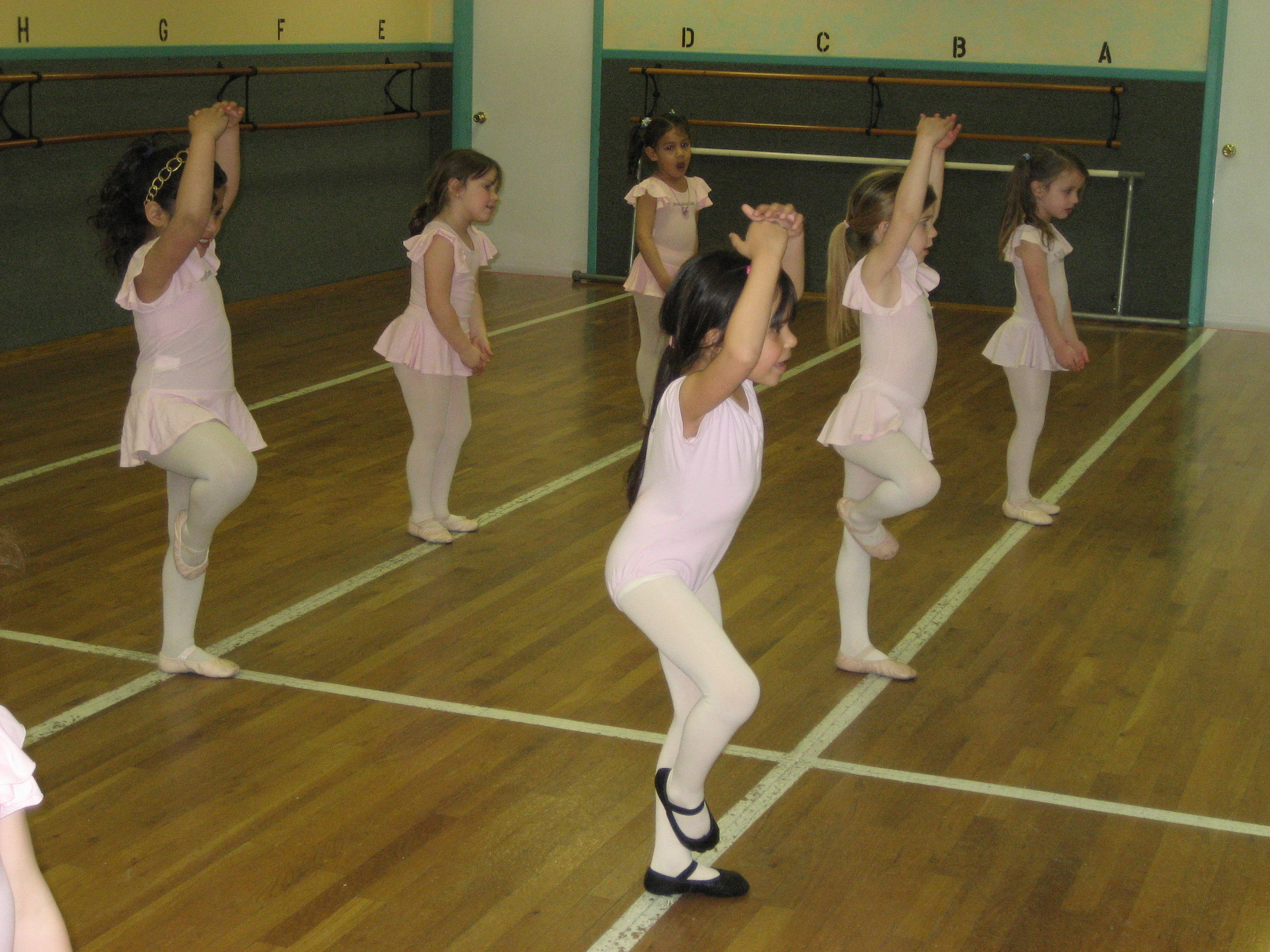 Combo IIA & IIB - 6 - 7 year oldsA 1.5-hour class of ballet and tap (IIA) or ballet and jazz (IIB) devoted to building strong technique in a fun environment. More challenging terminology and proper technique encourages concentration skills. Home practice ensures continuous progress that is rewarded with self-confidence and personal accomplishment. Both routines are performed in the annual production.