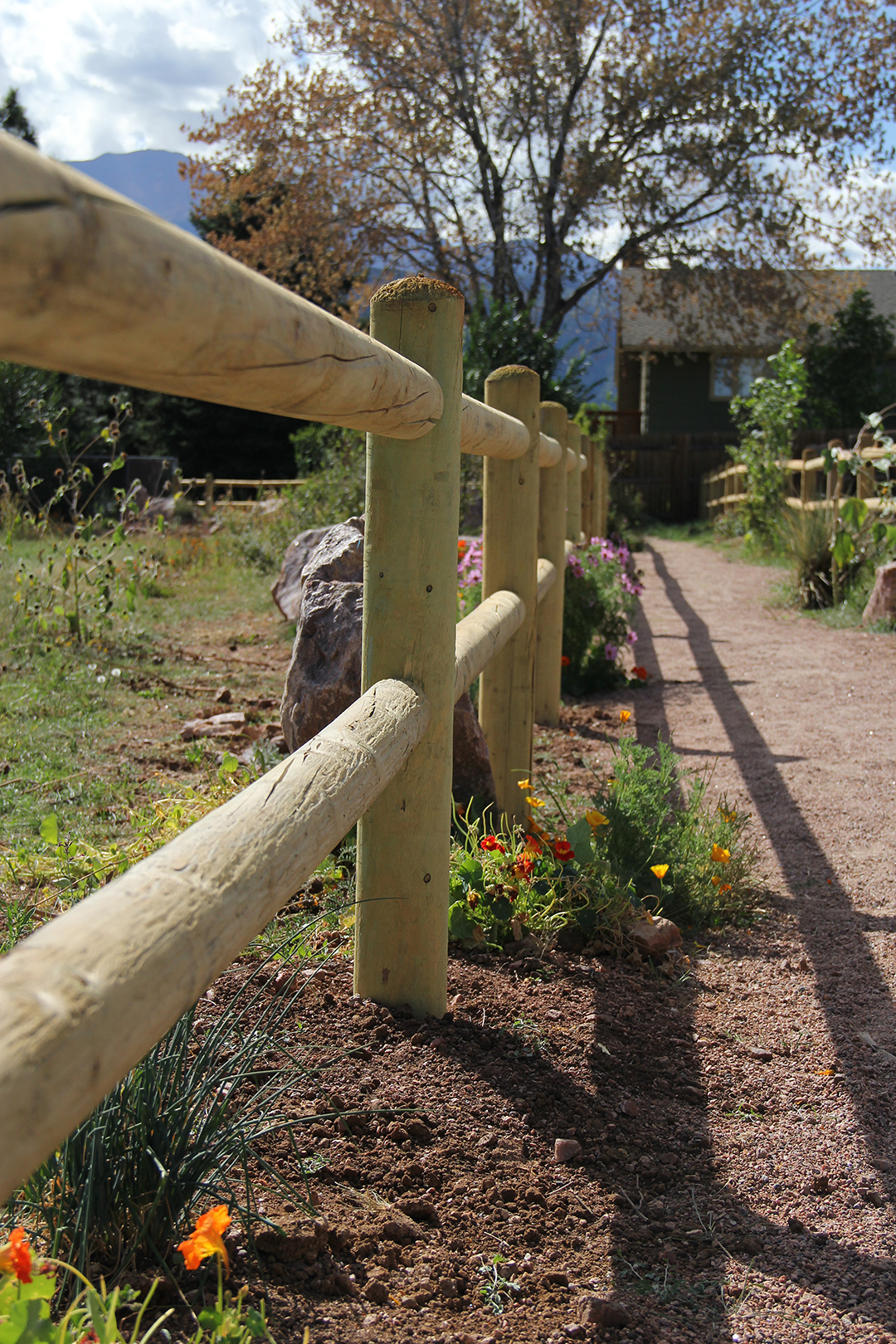 Customized Doweled Fencing in Colorado Springs