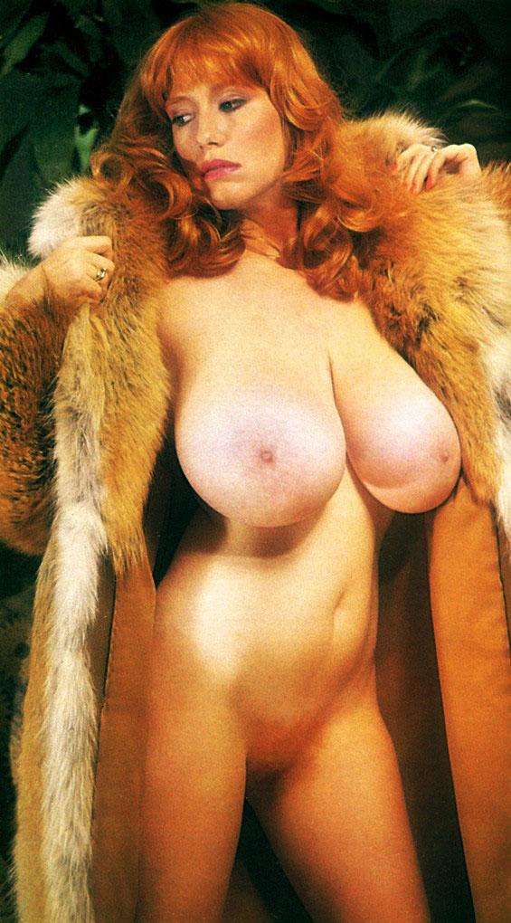 Robyn Hilton Nude Tits