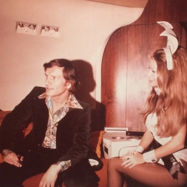 Hugh Hefner with Playboy Bunnies 05.jpg