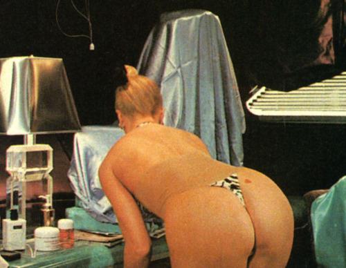 Goldie Hawn nude  09.jpg