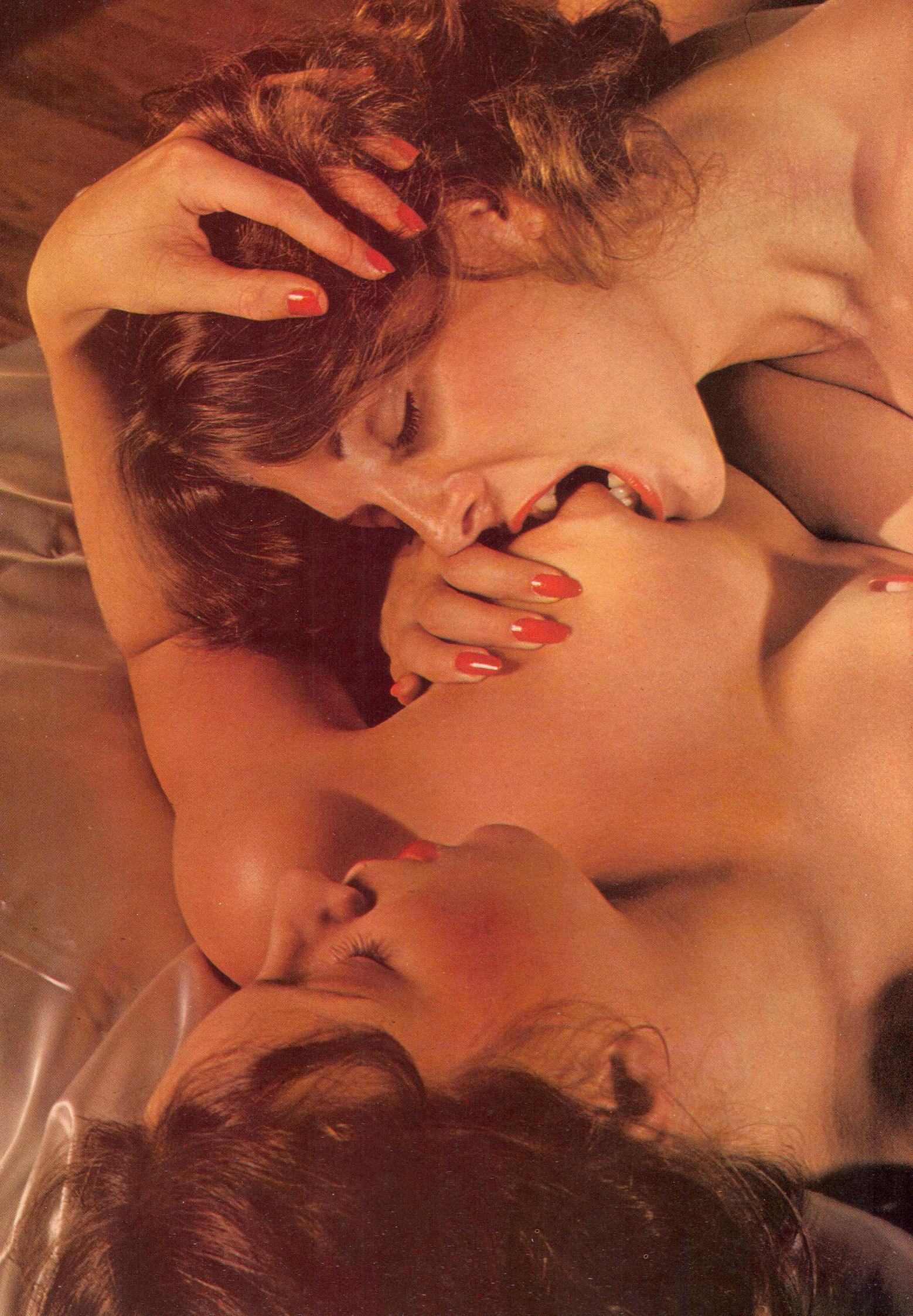 elaine-and-helene-club-magazine-1978