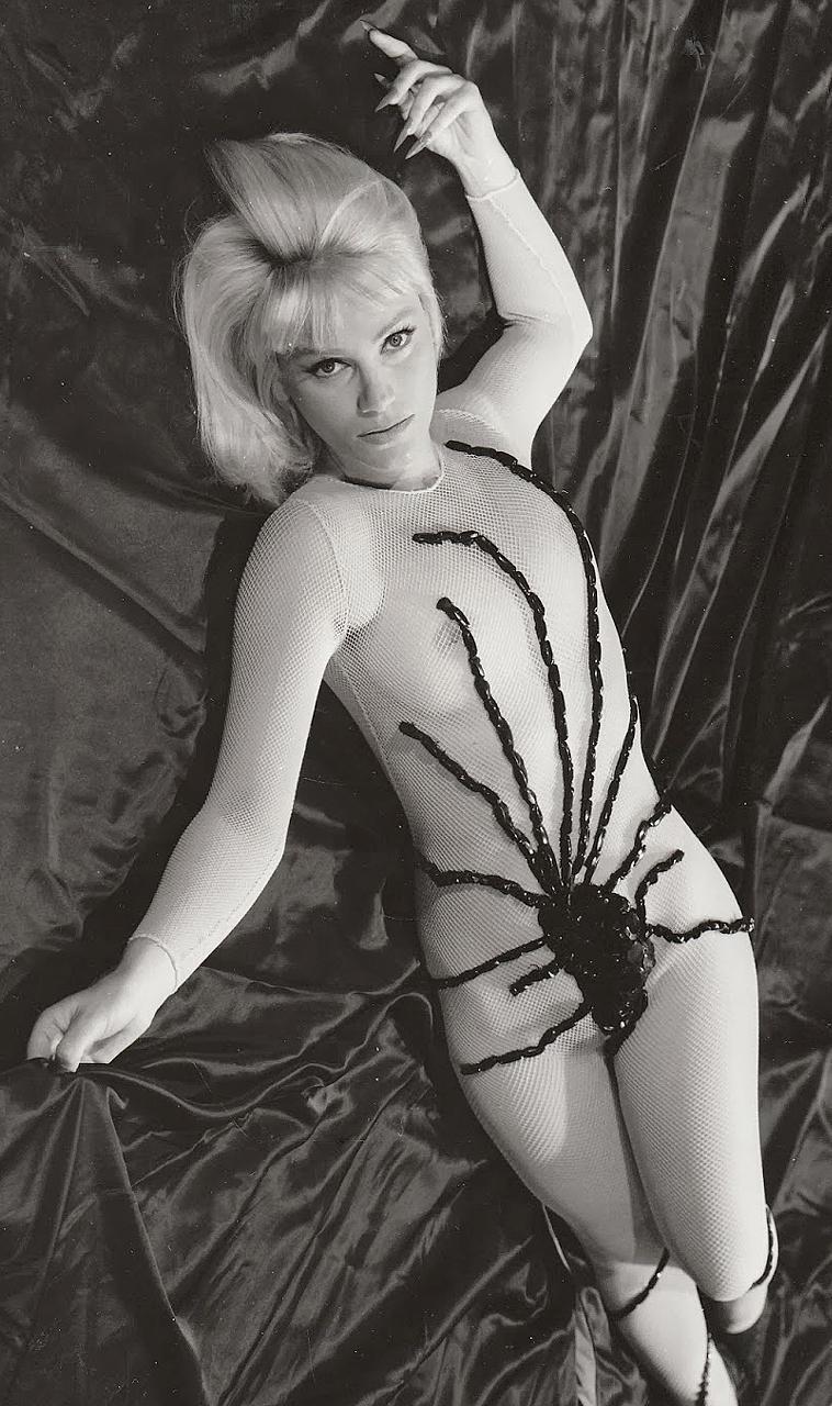 estella-blain-jesus-franco-1966
