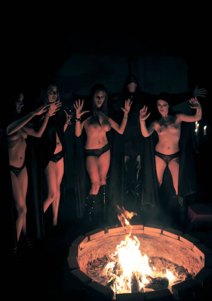 topless-witches
