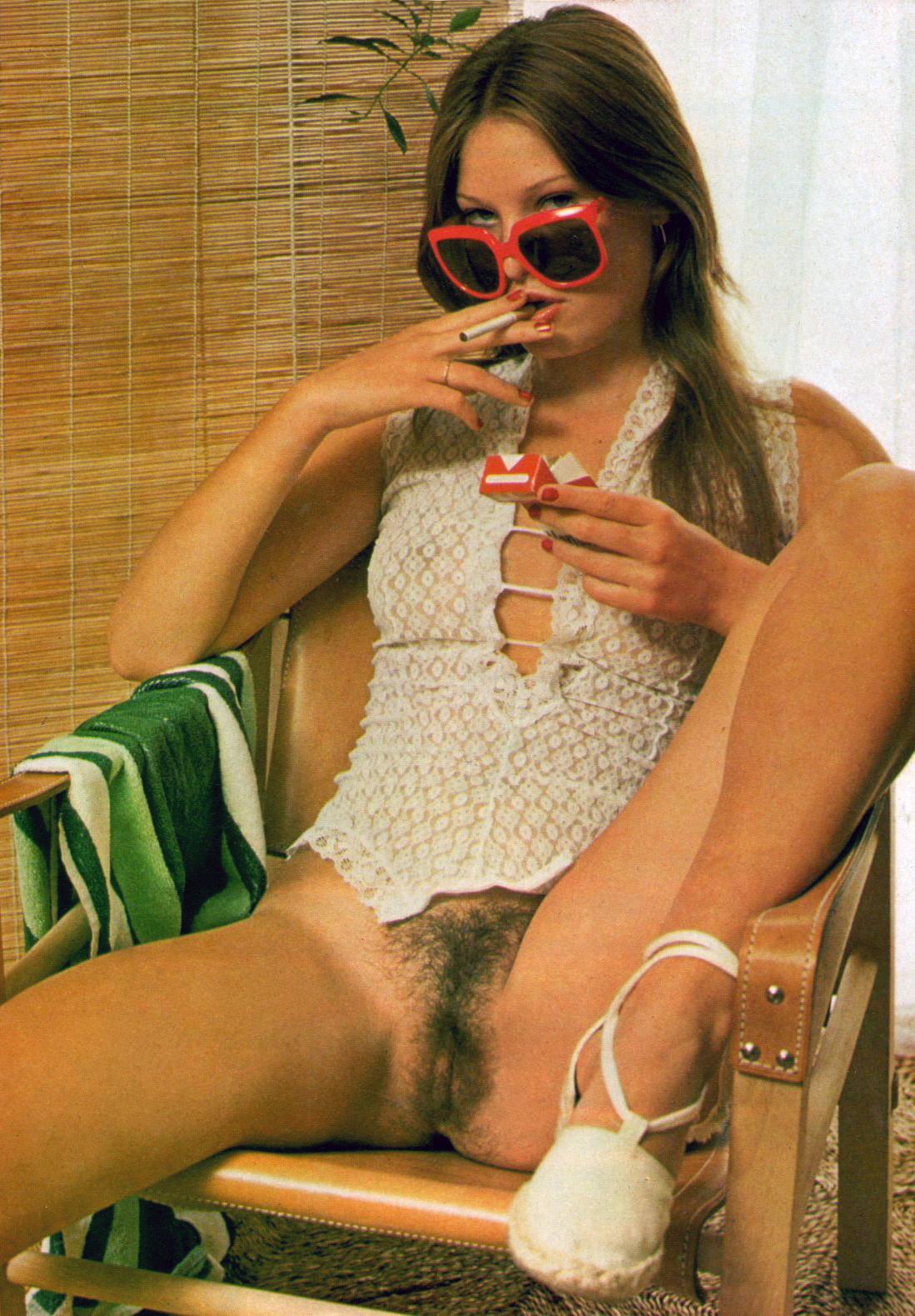 08 Penelope-Owen-Club-International-Magazine-1976.jpg