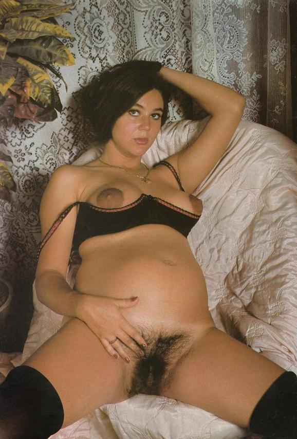 pregnant-nude.jpg