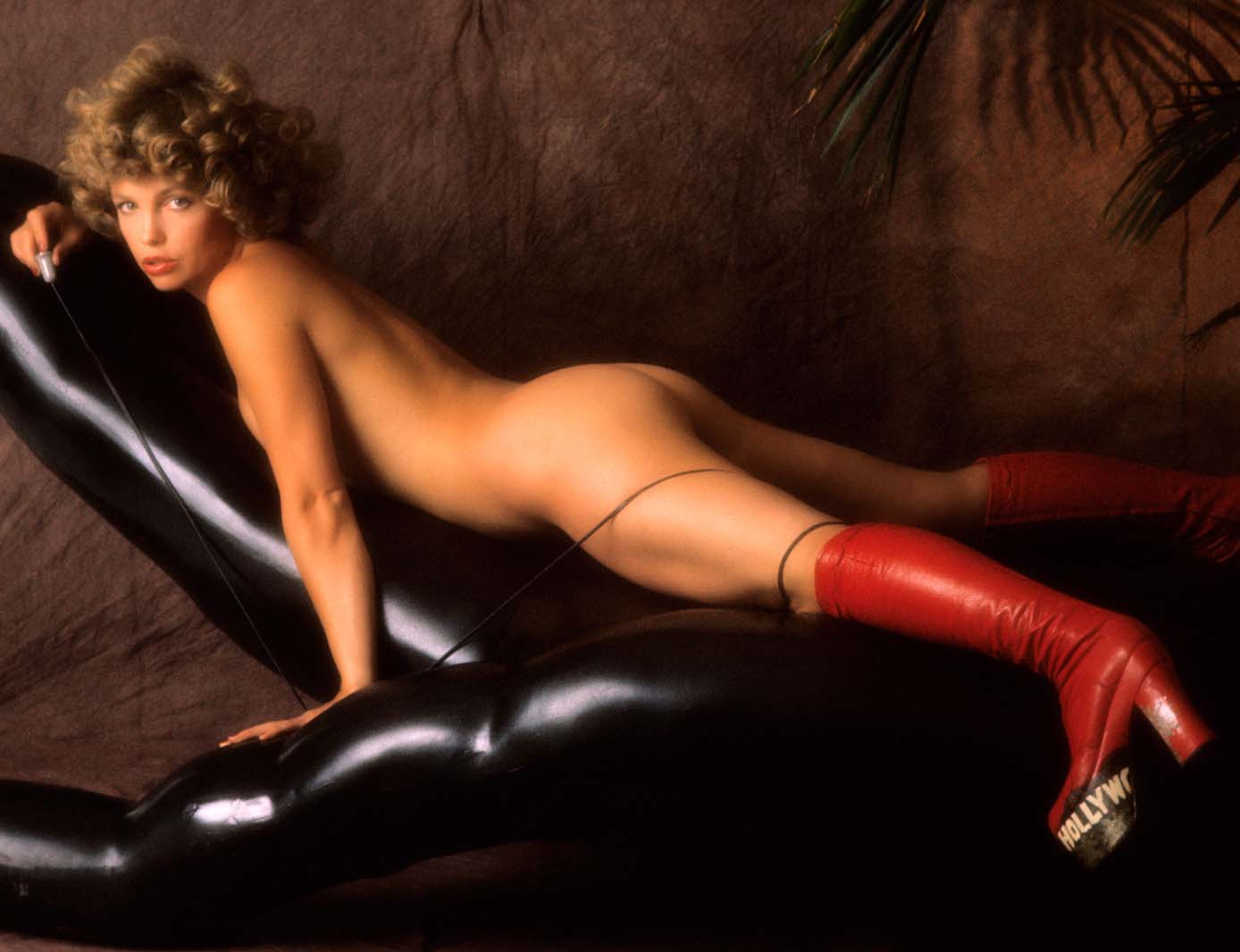 72791_cc_PicturingHerself_15xl_Suze_Randall_123_413lo.jpg