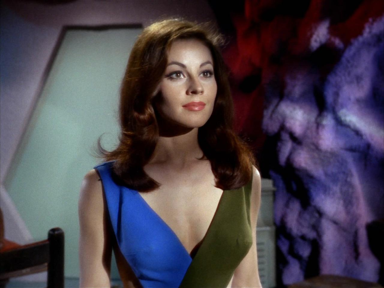 Sherry Jackson Andrea Star Trek 04.jpg