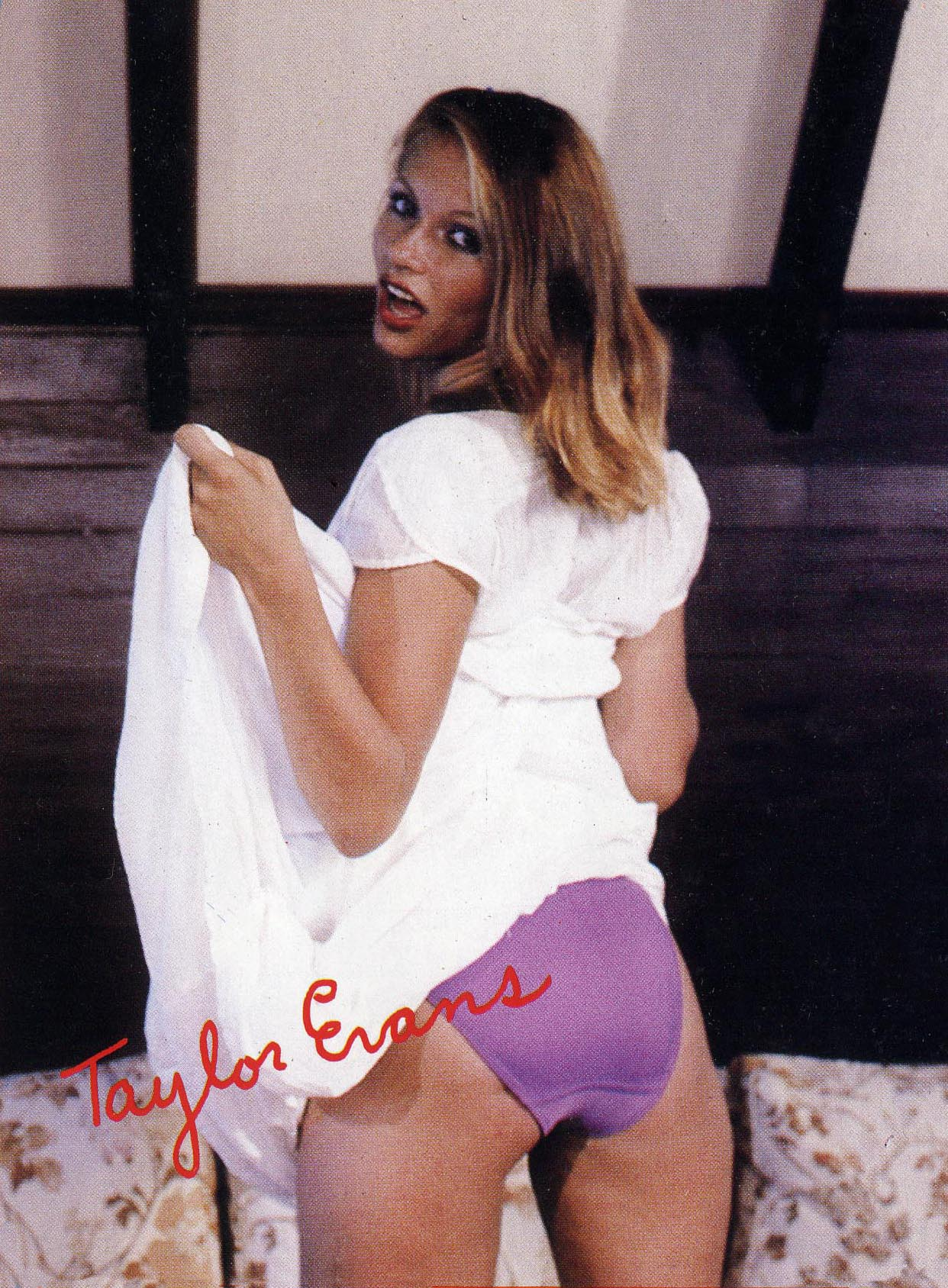 01 Ashley Welles aka Taylor Evans Showgirl 15.jpg