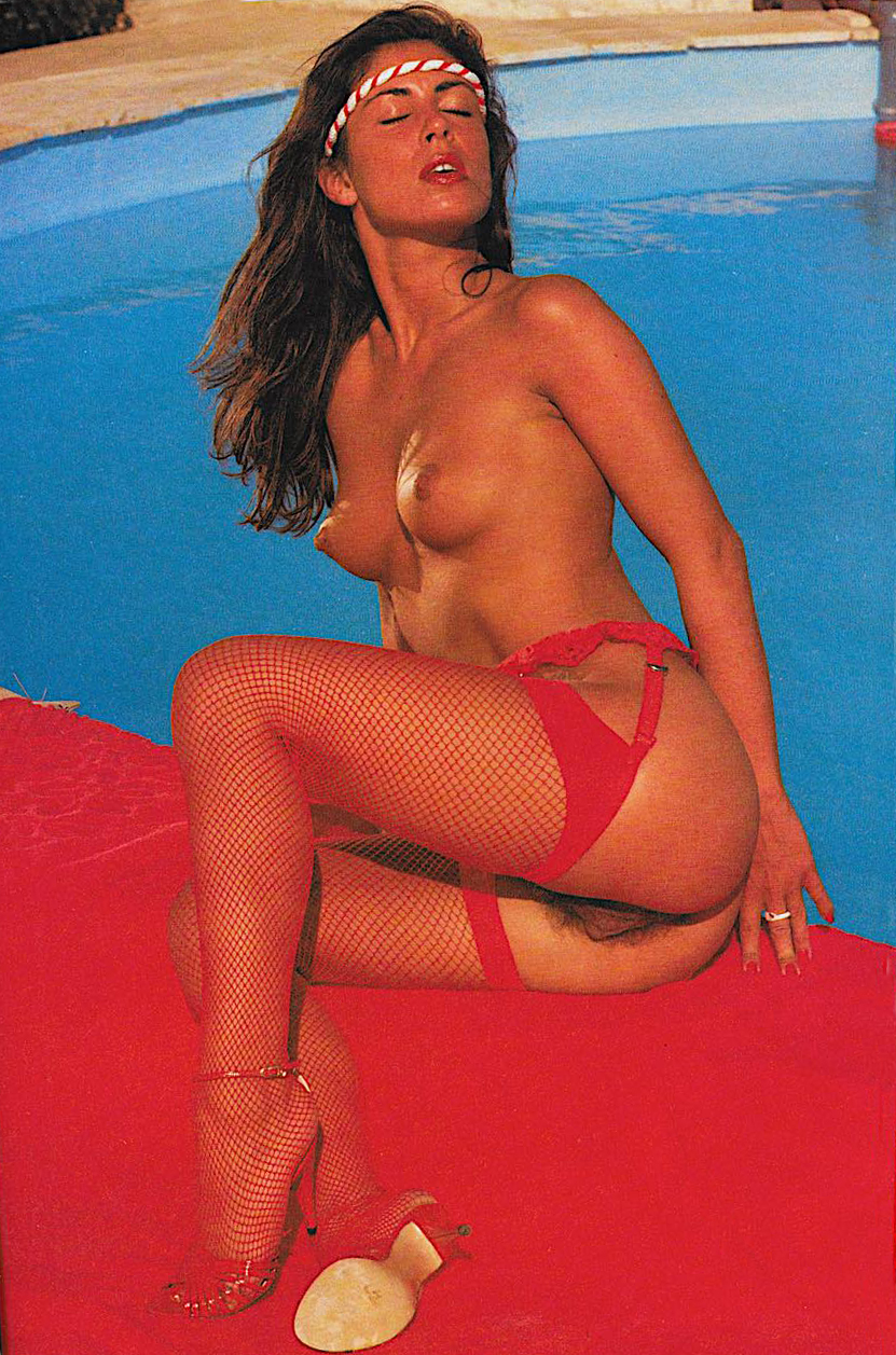 Stephanie Wiggins Club International magazine Vol.12 Nº10 - 1983 2.jpg