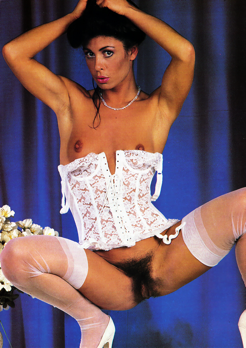 Stephanie Wiggins Erotica 10:1986 4.jpg