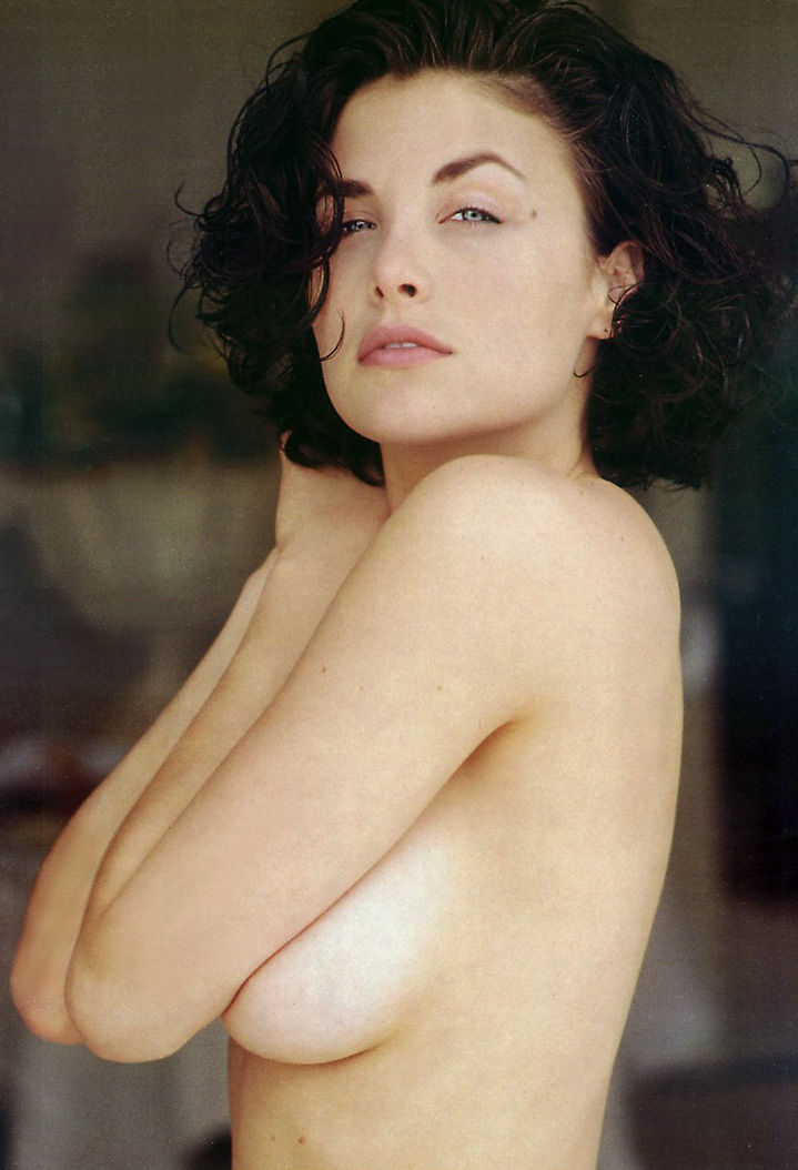 Sherilyn Fenn Show Her Hairy Pussy And Tits In Nude Picture Scenes
