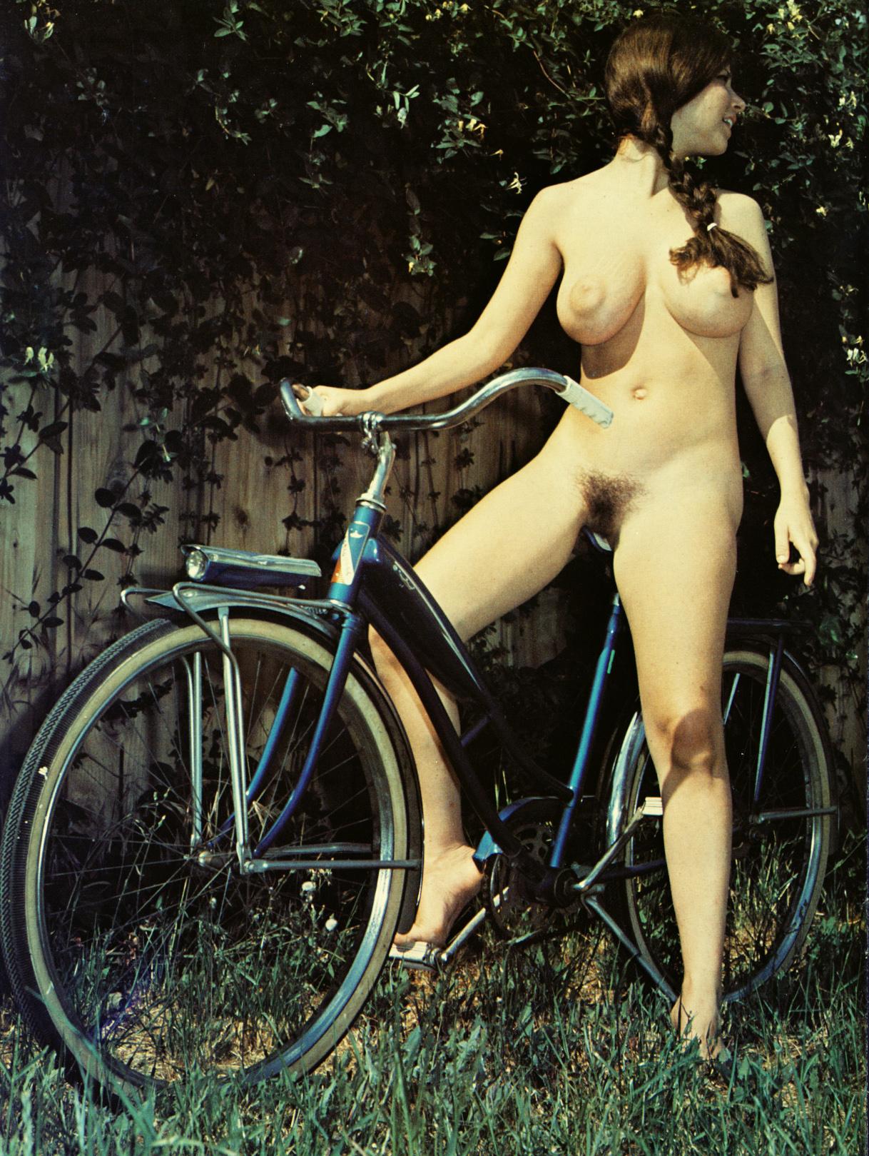 Sexy Milla Rides Her Vintage Cygnus Bike Naked