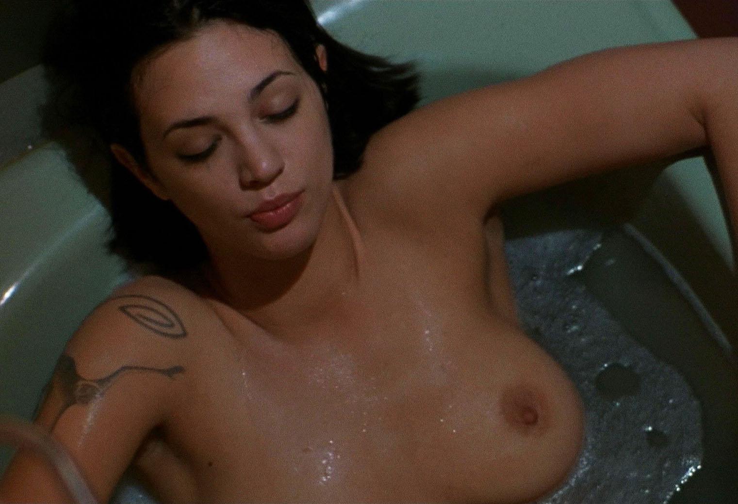 Asia Argento Nude 04.jpg
