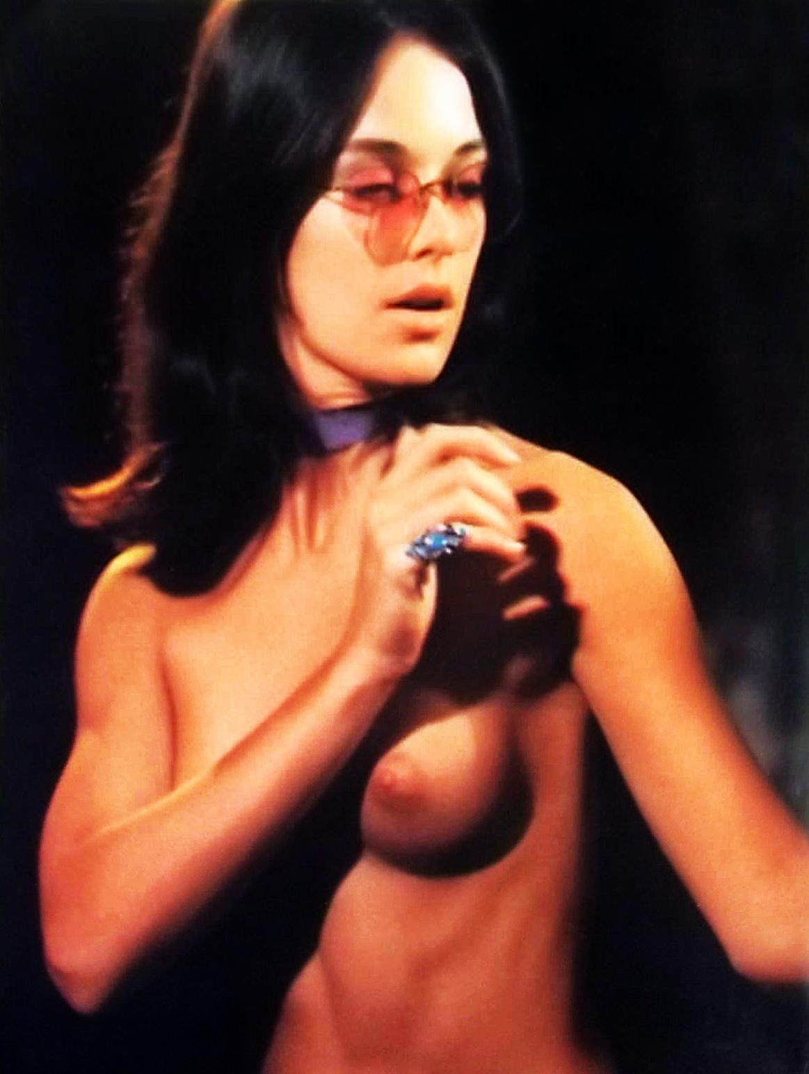 Joanna Cameron topless BS I LOVE you 2.JPG