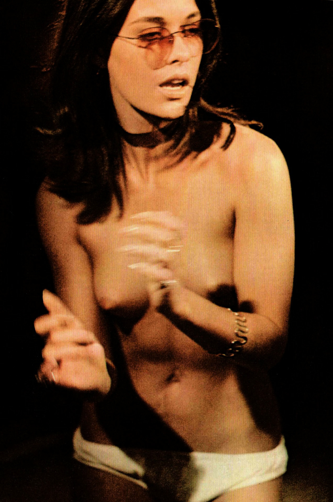 Joanna Cameron topless BS I LOVE you 5.jpg