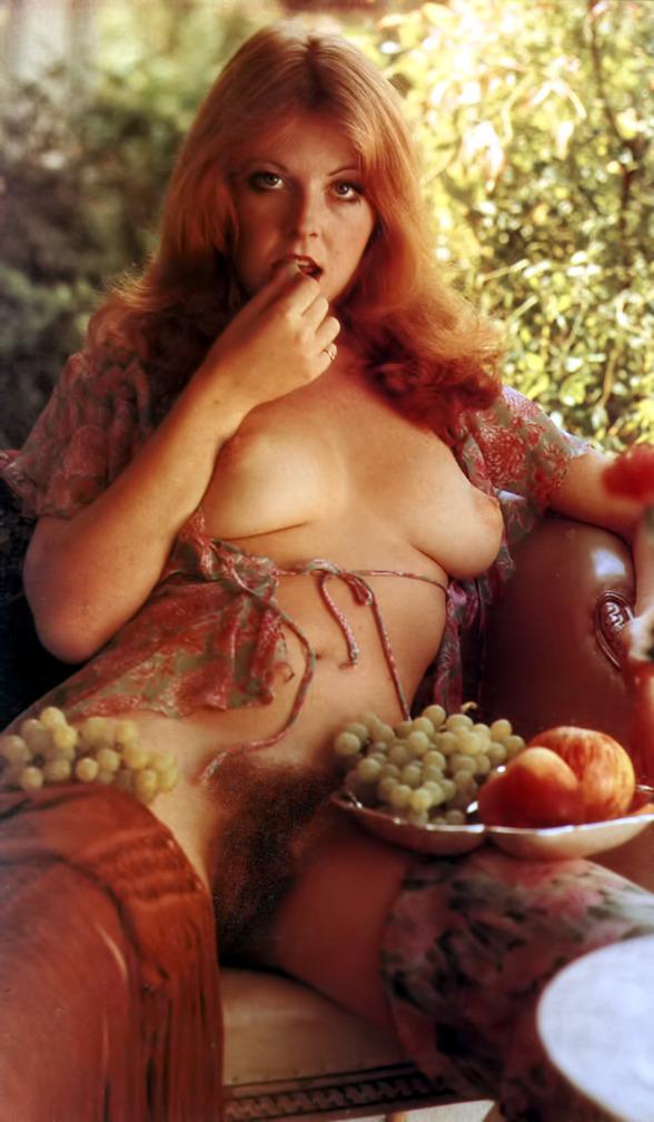 Elvira Nude 01.jpg